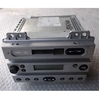 RADIO CD?/ AMPLIFICATEUR - SUPPORT SYST?ME HIFI OEM N. 1332700 PI?CES DE VOITURE D'OCCASION FORD FIESTA (2005 - 2006) DIESEL D?PLACEMENT. 14 ANN?E 2005